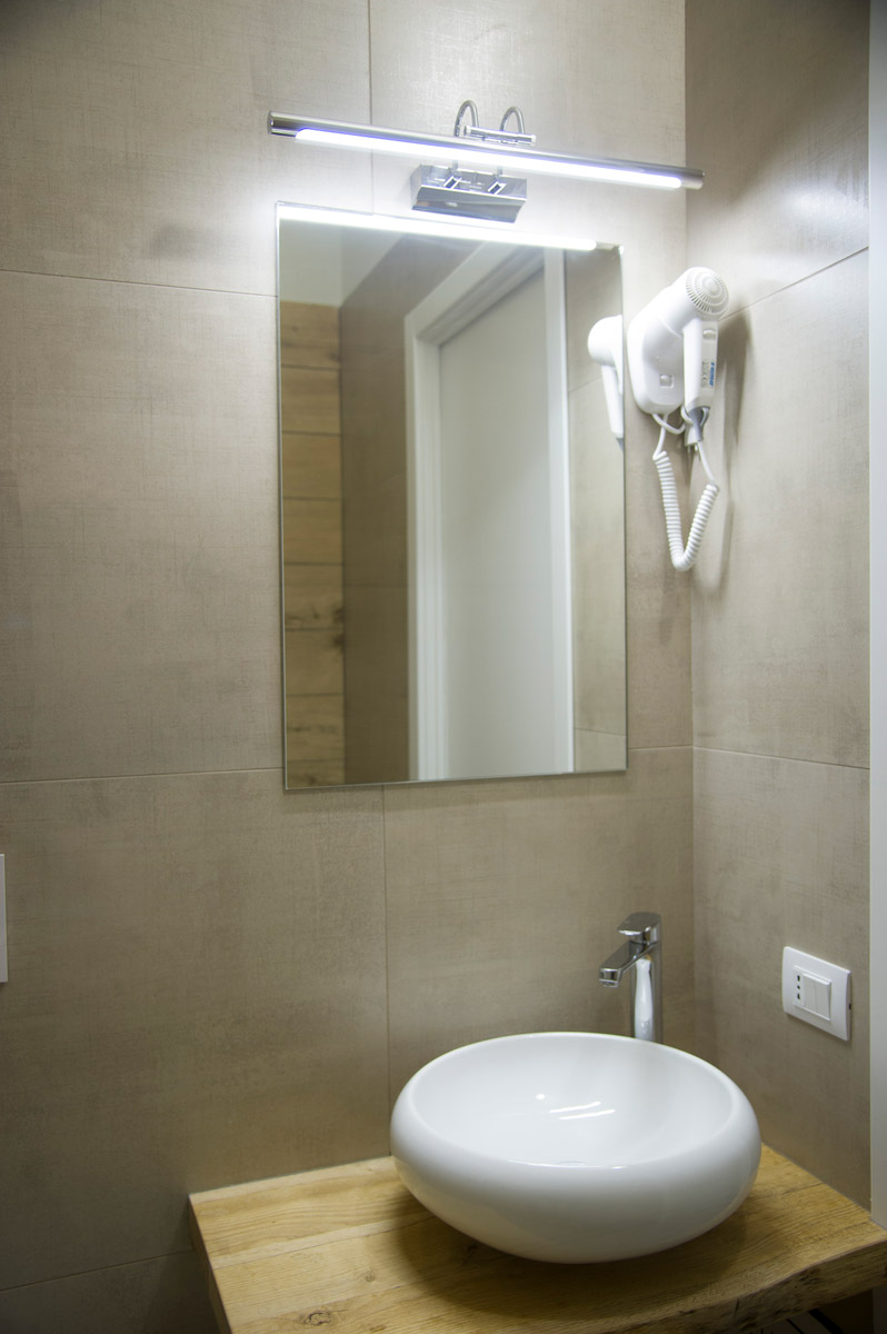 Bagno della Camera BLUE RIVER del Bed and Breakfast in Fiumicino Le Boutique Luxury Resort